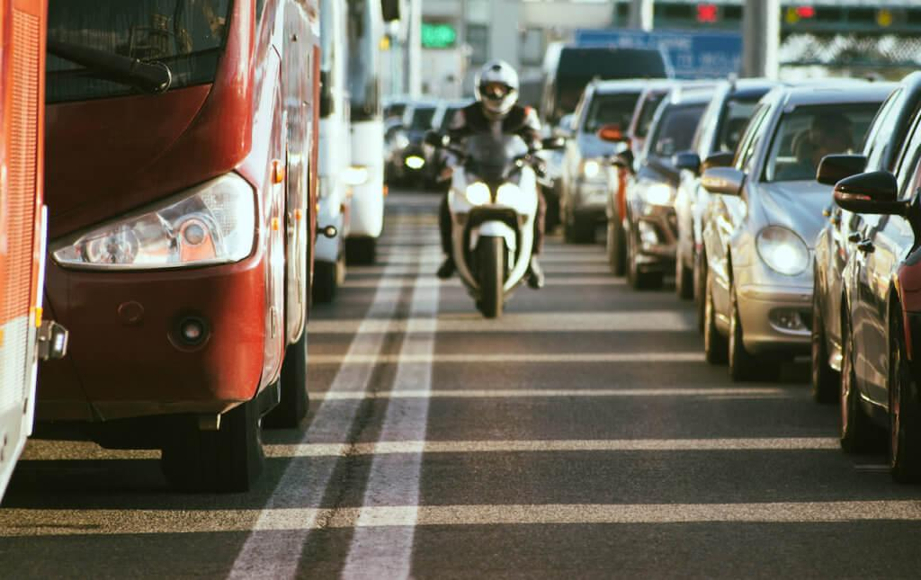 lane-spliting